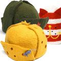 Коллекция Шапки из войлока 3 наименования стоимостью от 2000 до 2000 руб. В коллекции теплых шапок, сделанных из 100 % шерсти, можно найти оригинальный подарок другу, родственнику или коллеге. Яркие позитивные цвета и необычный дизайн поднимут настроение. Здесь можно найти и шапки-ушанки, и шерстяные банные шапки, и даже настоящую красноармейскую пилотку. Есть в коллекции и шляпа-корова, и даже ушанка в форме сыра. Такая необычная шапка — отличный подарок всем, кто предпочитает  жизнь в ярких тонах, не боится быть в центре внимания и любит экспериментировать