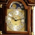 Коллекция Напольные часы Standuhren Elegance 12 наименований стоимостью от 91560 до 1254900 руб. Напольные часы - снова в моде. Позвольте себе роскошь: купите классические напольные часы Hermle. Согласно вековым традициям, корпус часов изготавливается из дорогих пород дерева, подобающим образом декорируется и комплектуется высокоточным механизмом. Кварцевые и механические напольные часы от Hermle – это особый предмет интерьера, которым стоит гордиться.